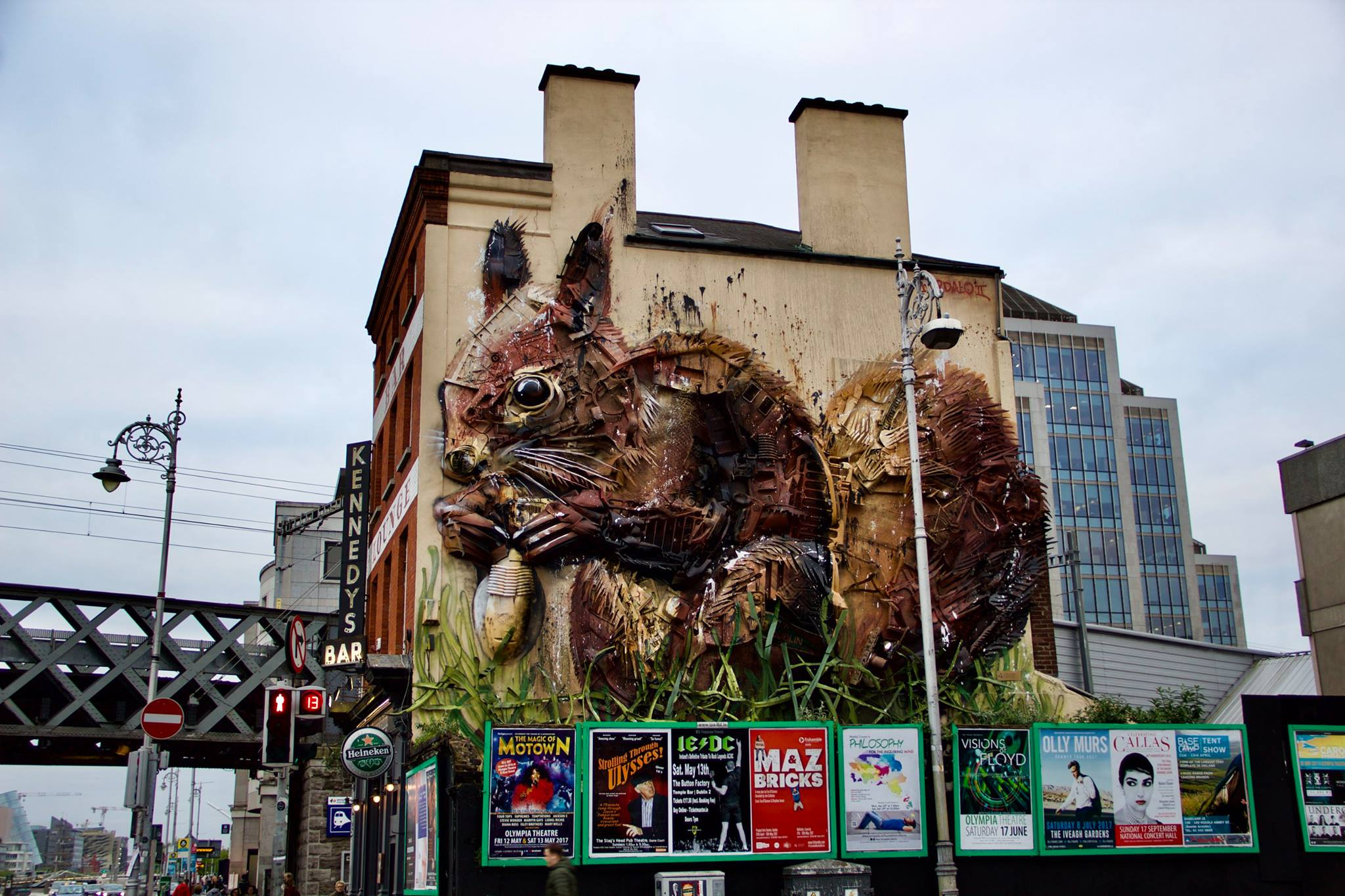 Trash Animals, Squirrel, Artur Bordalo